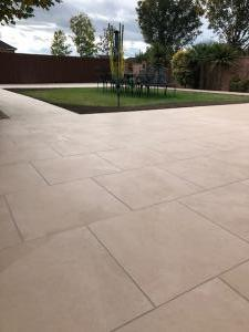 Robert Brundett Close Arrento Paving (45)
