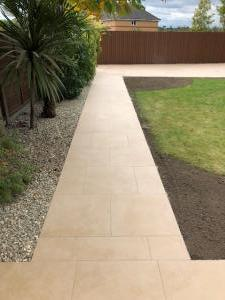 Robert Brundett Close Arrento Paving (75)