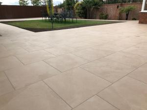 Robert Brundett Close Arrento Paving (87)